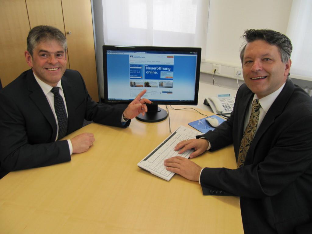 Stolz wird der neue Online-Auftritt von den Herren Scherer und Rau präsentiert.